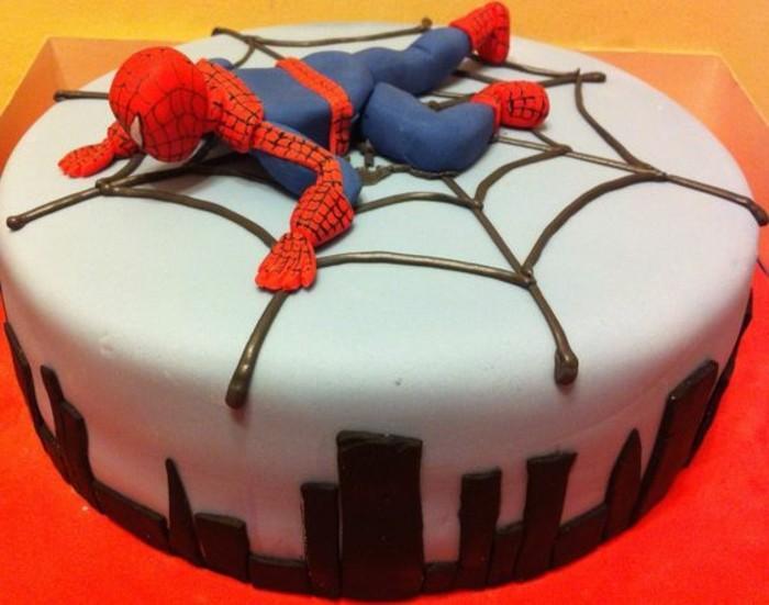 gateau-spiderman-blanc-gateau-stylee-super-heros