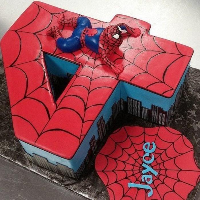 gateau-spiderman-design-personnalise-quatre-ans