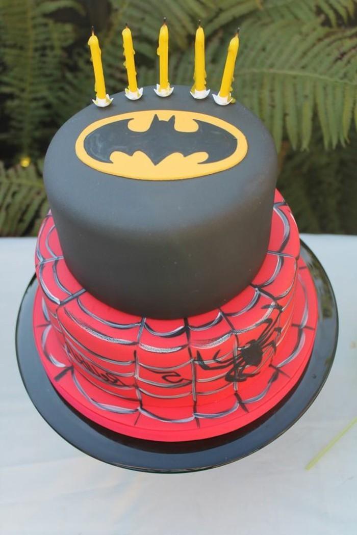 gateau-spiderman-design-rose-et-gris-de-gateau-anniversaire