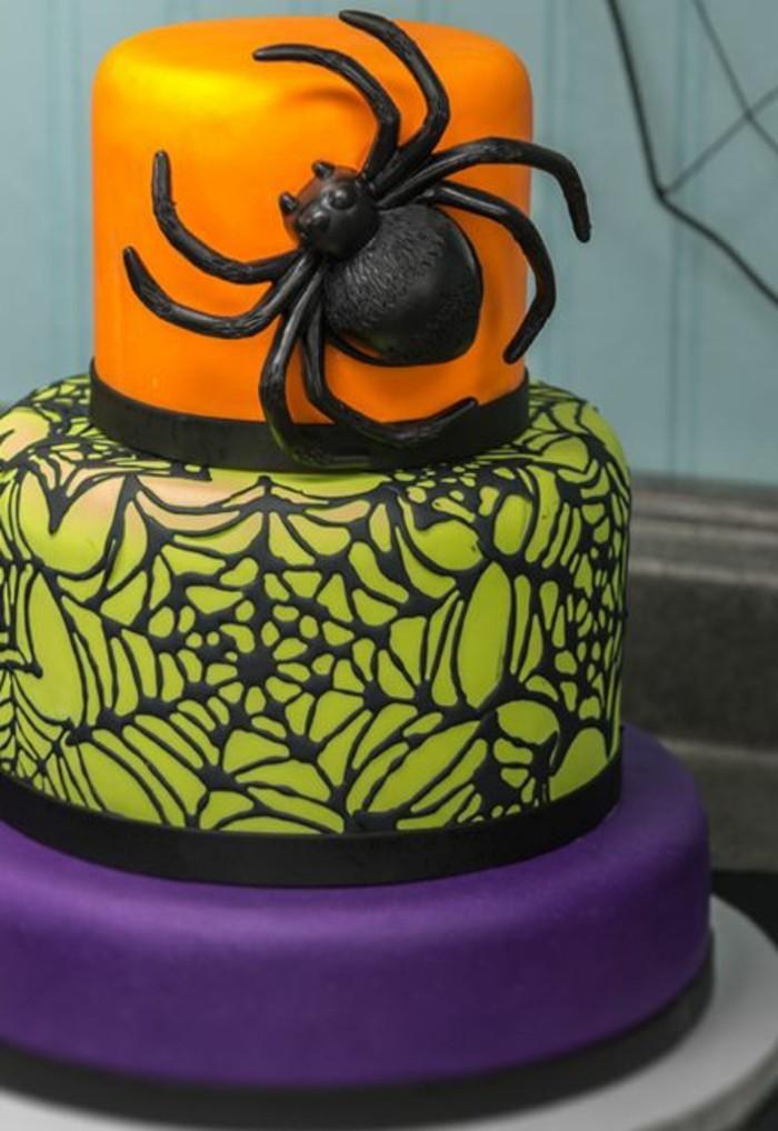 gateau-spiderman-gateau-colore-lilas-vert-et-jaune