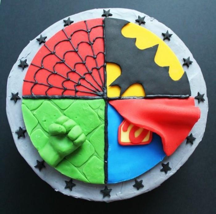 gateau-spiderman-quatre-parties-differentes
