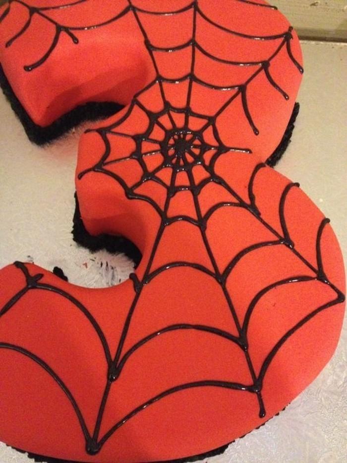 gateau-spiderman-toile-daraignee-sur-le-chiffre-3