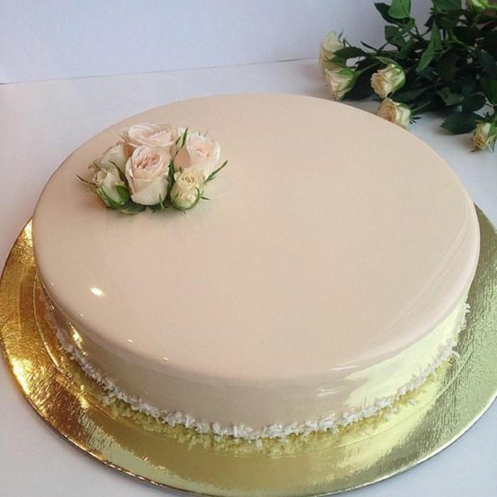 glacage-miroir-beige-belle-tarte-au-glacage-brillant