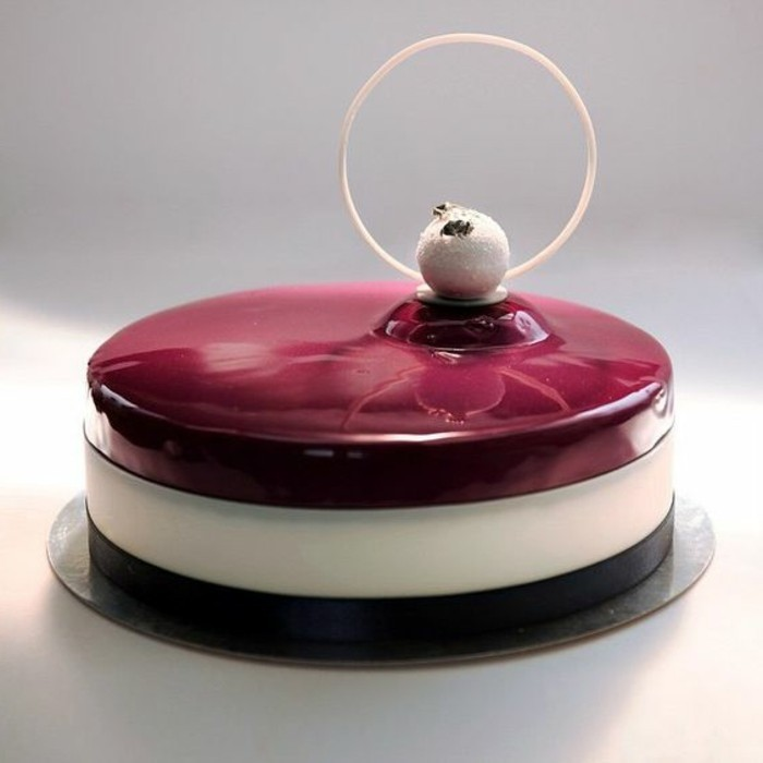 glacage-miroir-couleur-bordeau-petite-tarte-delicieuse