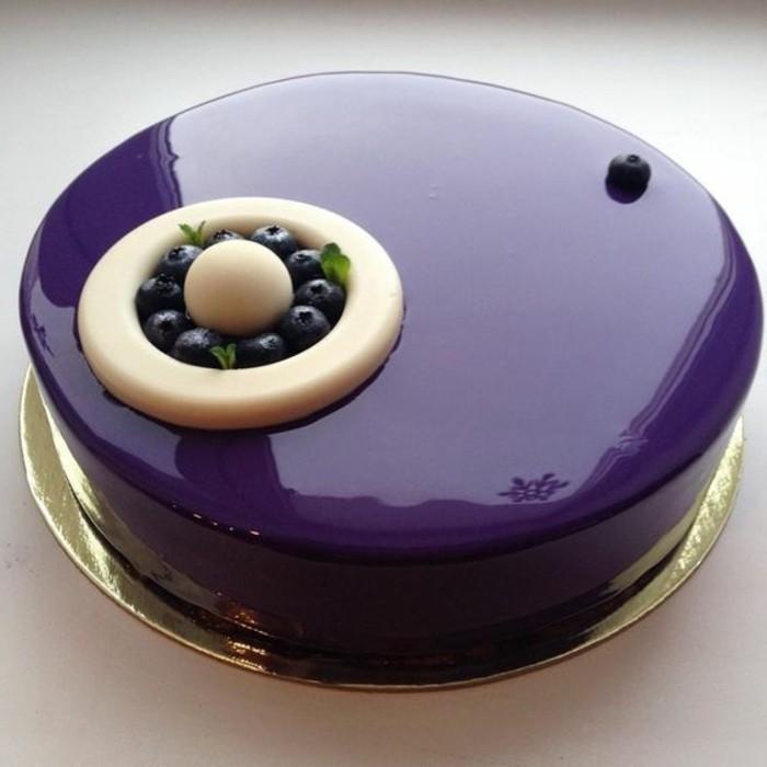 glacage-miroir-couleur-myrtilles-desserts-originaux