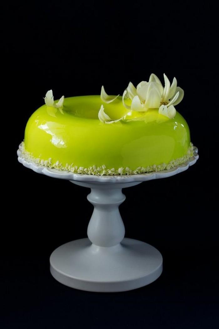glacage-miroir-nappage-jaune-miroir-dessert-gourmand