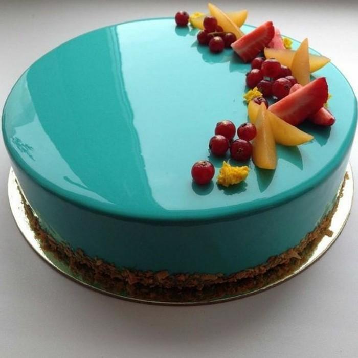 glacage-miroir-nappage-miroir-bleu-tarte-aux-fruits