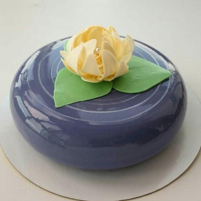 glacage-miroir-nappage-petit-gateau-bleu