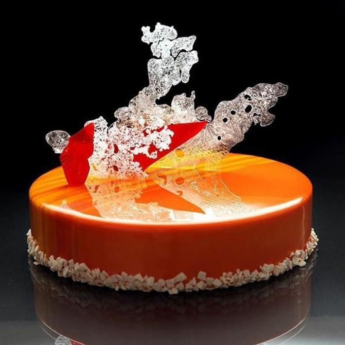 glacage-miroir-orange-couverture-de-gateau-lisse-et-raffinee