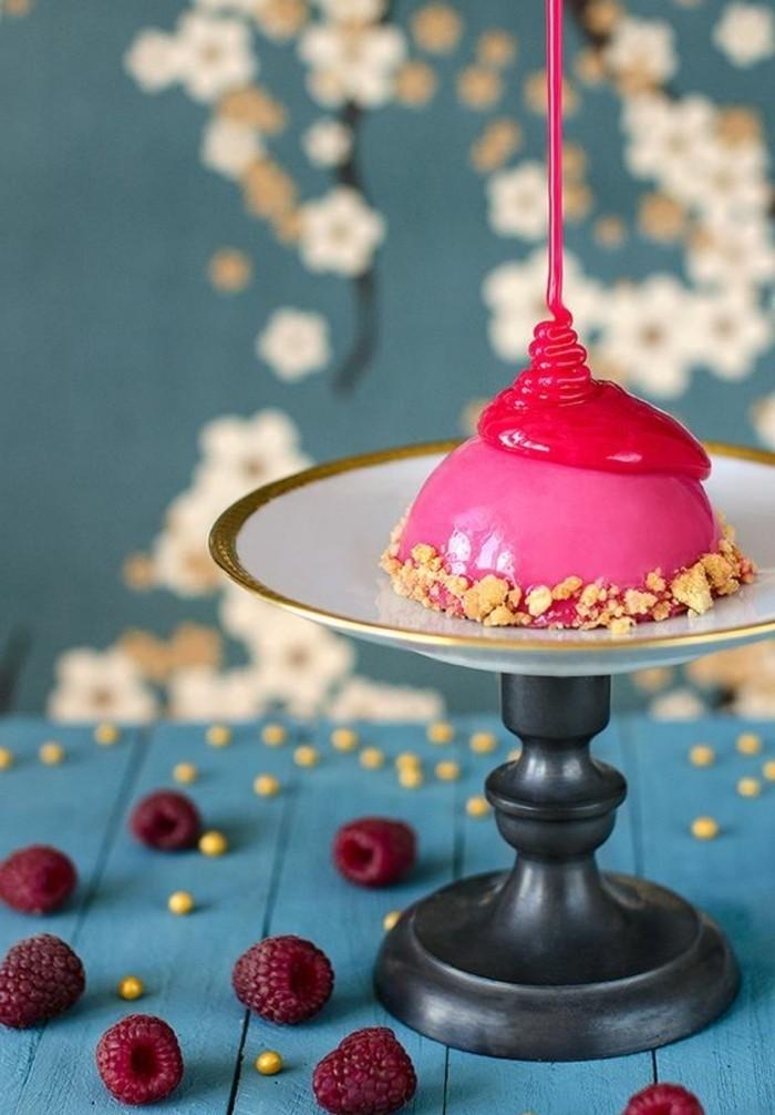 glacage-miroir-petit-dessert-gourmand-glace-rose