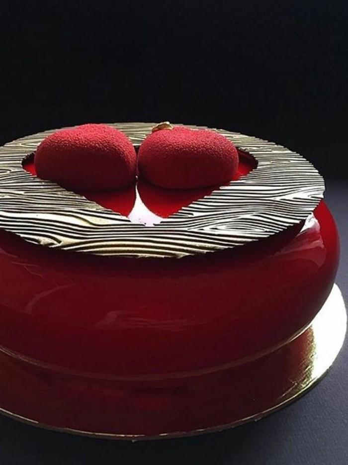glacage-miroir-rouge-tarte-au-glacage-rouge-delices-sucrees-originales