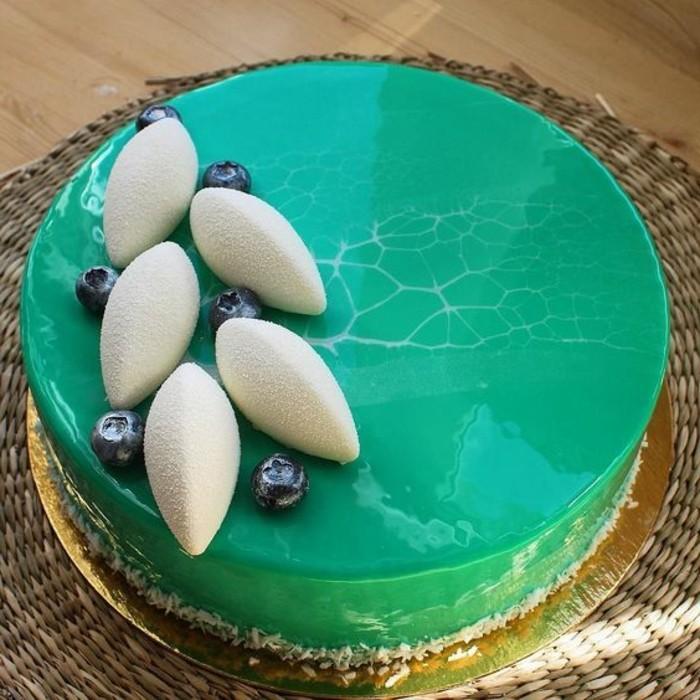 glacage-miroir-vert-emeraude-tarte-glamoureus-nappee