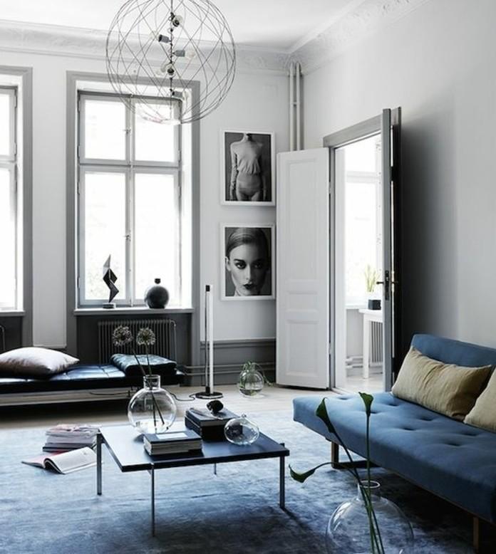 idee-deco-salon-trop-stylee-deco-salon-gris-avec-des-elements-bleus-decoration-tres-chic