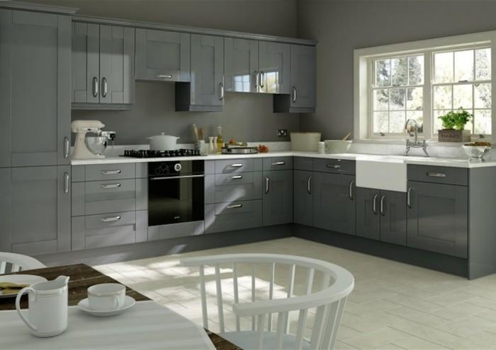 idee-interessante-cuisine-grise-peinture-murale-grise-meuble-cuisine-couleur-anthracite-plan-de-travail-blanc-modele-cuisine-style-rustique-chic