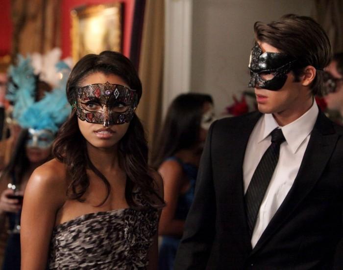 idee-masque-carnaval-bal-masque-soiree-les-vampire-diary