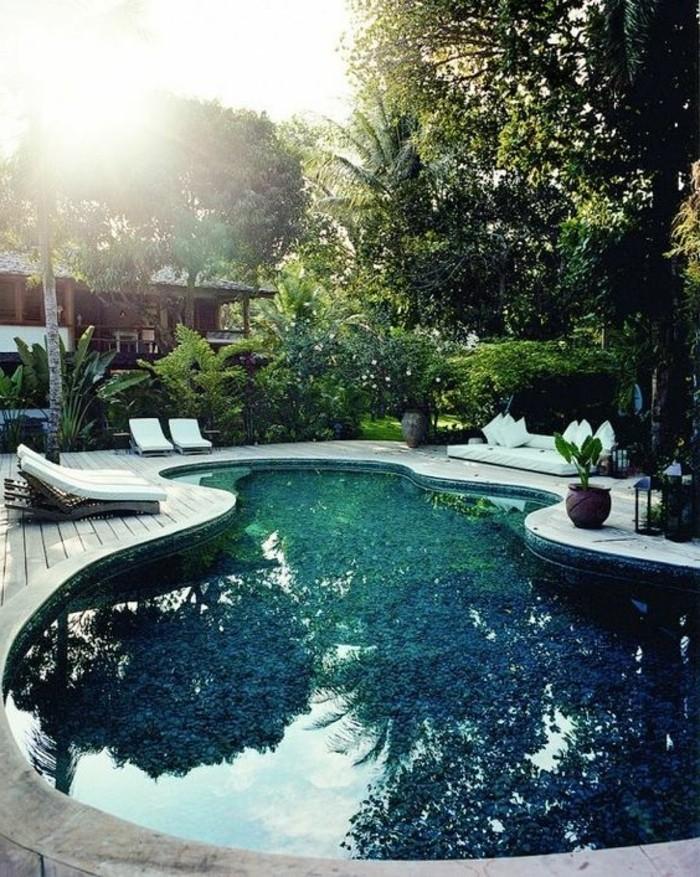 immobilier-espagne-bord-de-mer-bleu-eau-vert-style