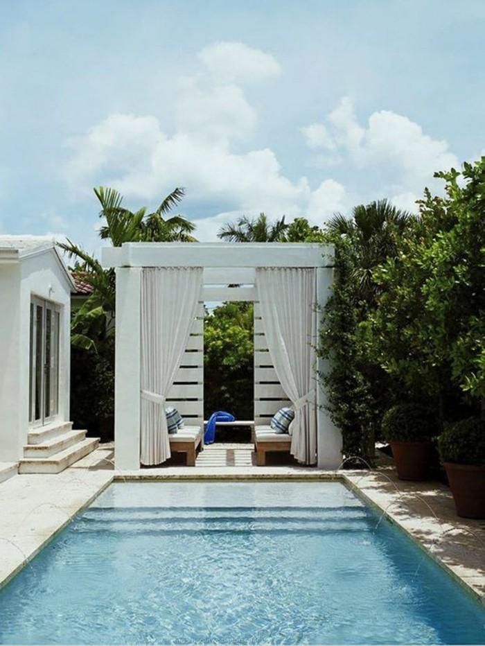 immobilier-espagne-bord-de-mer-chic-simple-piscine-vert-nature