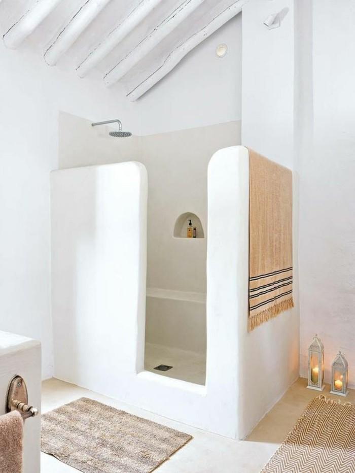 immobilier-espagne-bord-de-mer-interessant-blanc-mur-et-tapis