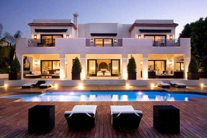 immobilier-espagne-bord-de-mer-maison-tres-grande-cher-style
