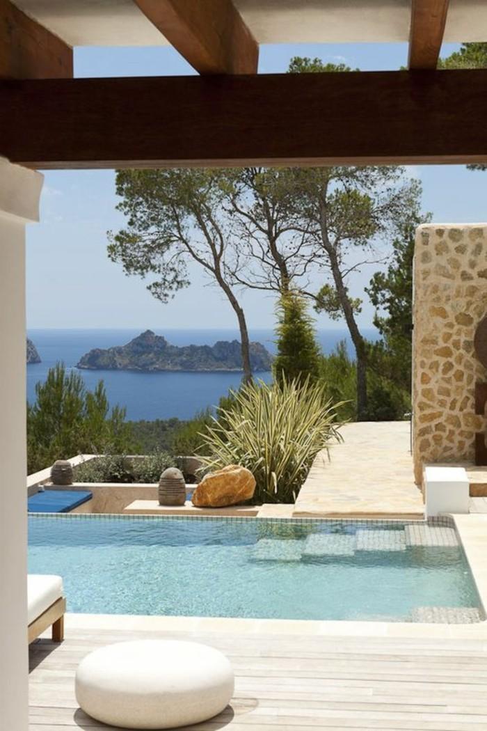 immobilier-espagne-bord-de-mer-meubles-eau-bleu
