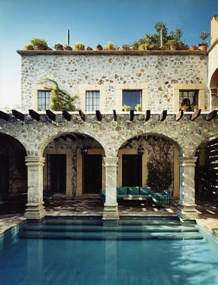 immobilier-espagne-bord-de-mer-pierre-piscine-aeu-bleu