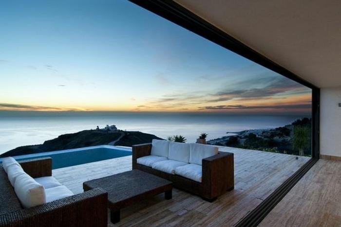 immobilier-espagne-bord-de-mer-style-moderne-ciel-dehors