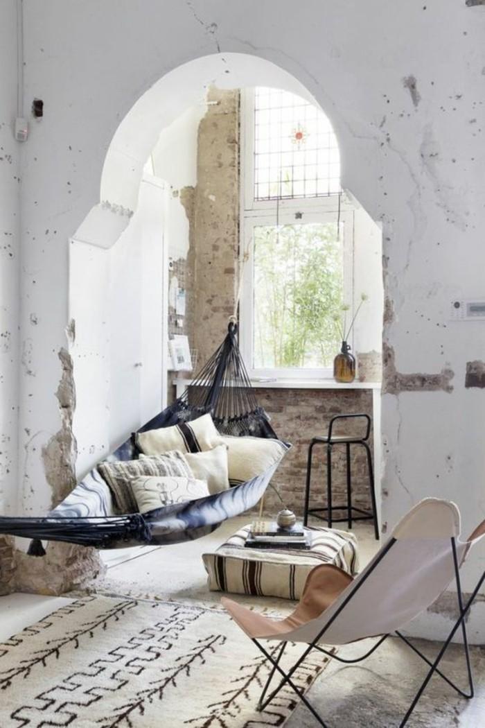 immobilier-espagne-bord-de-mer-tapis-salle-vaste-clair