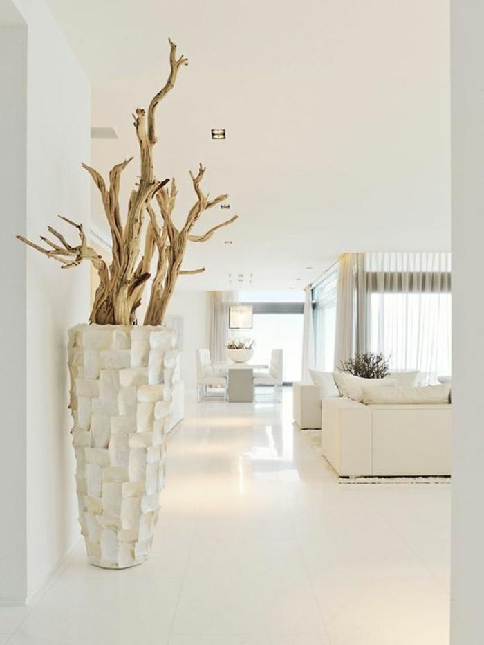 immobilier-espagne-bord-de-mer-vase-bois-moderne-chic-interieur