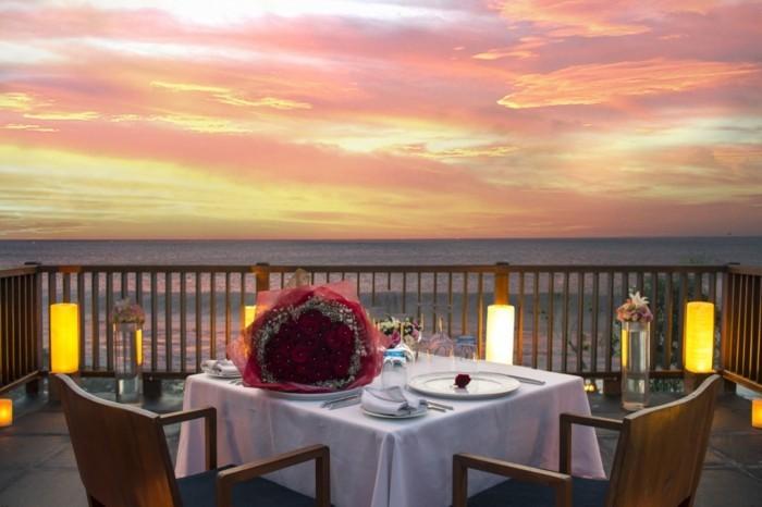 jolie-idee-diner-romantique-repas-saint-valentin-toit-avec-vue