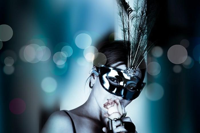 la-masque-de-carnaval-robe-bal-de-promo-superbe