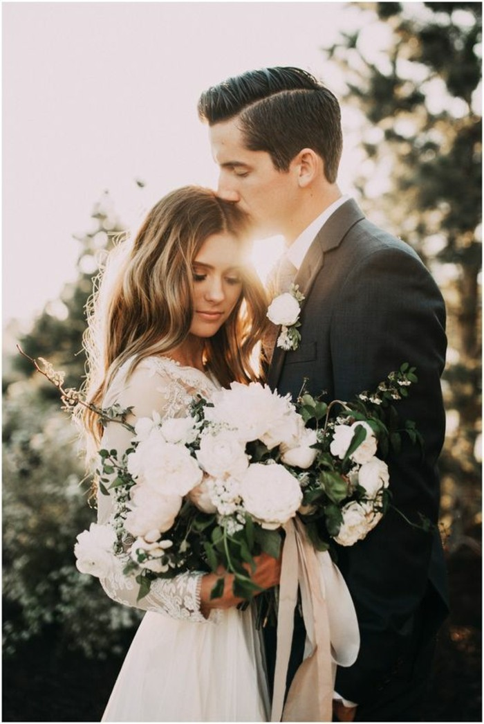 la-robe-de-mariee-simple-boheme-idee-mariage-adorable-couple