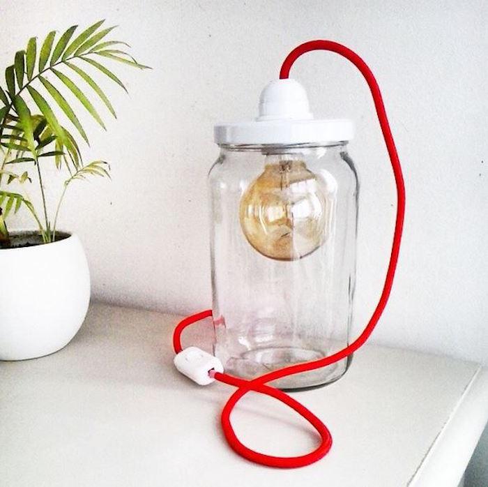 lampe-bocal-cable-rouge-idées-bricolage-diy