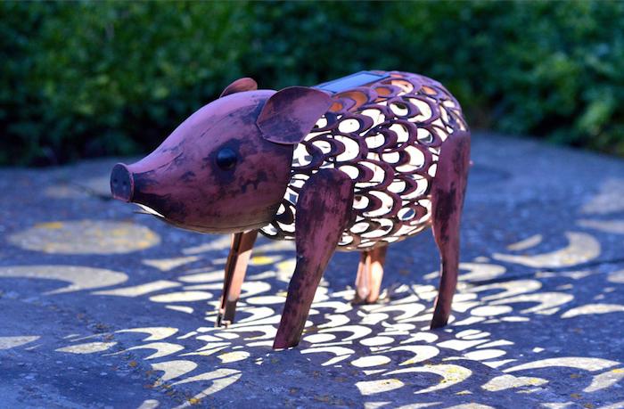 lampe-exterieur-solaire-lanterne-jardin-cochon