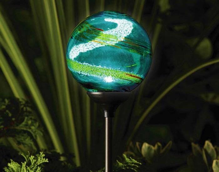 lampe-solaire-de-jardin-luminaire-eclairage-exterieur