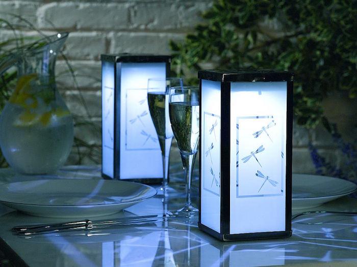 lanterne-solaire-eclairage-exterieur-table