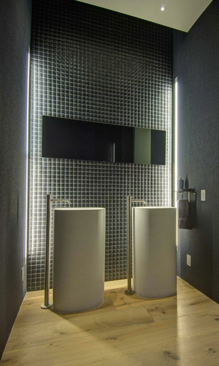 lavabo-colonne-carrelage-mural-mosaique-vasques-colonnes-blanches