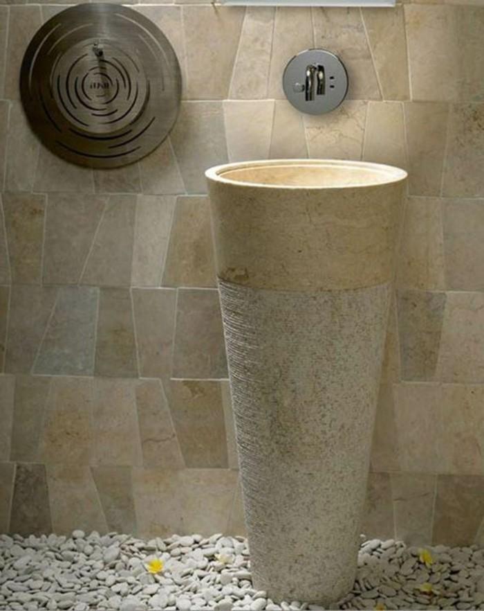 lavabo-colonne-en-pierre-forme-conique-carrelage-patchwork