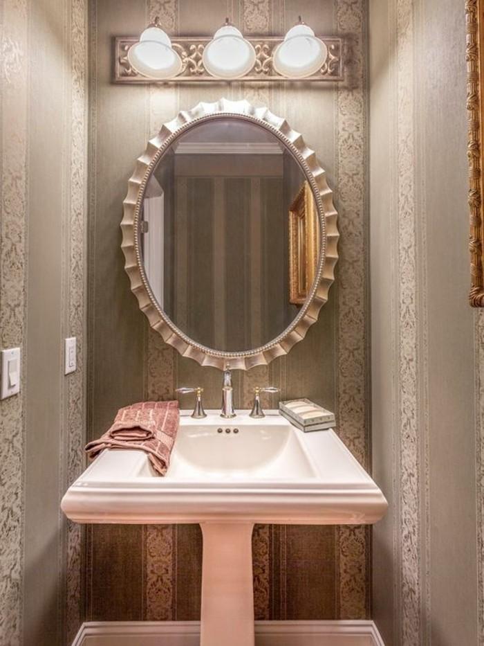 lavabo-colonne-en-rose-et-blanc-miroir-ovale-style-ancien