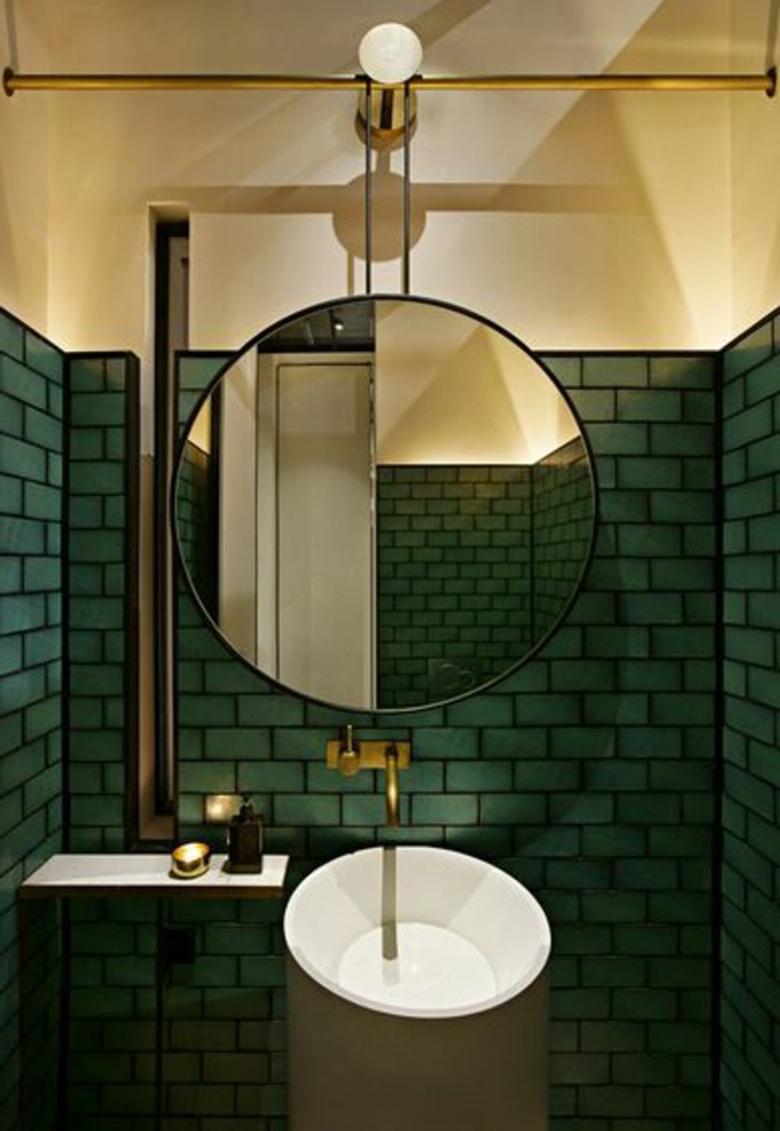 Le lavabo colonne en 81 photos inspirantes for Grands carreaux salle de bain