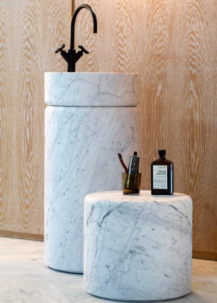 lavabo-colonne-marbre-vasque-originale-de-salle-de-bain