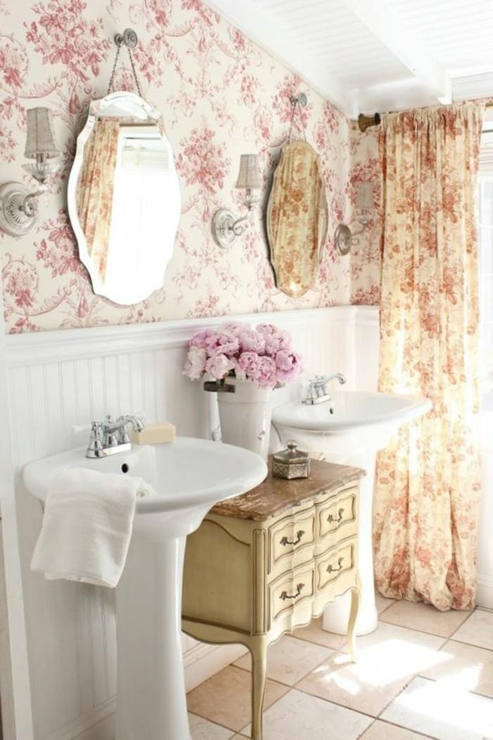 lavabo-colonne-salle-de-bain-blanche-miroir-rond-papiers-peints-clairs