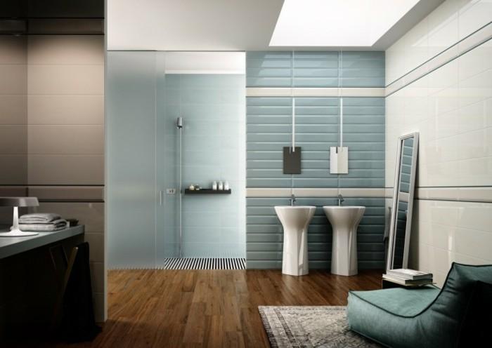 lavabo-colonne-salle-de-bain-bleue-blanche-pouf-original