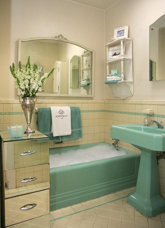 lavabo-colonne-turquoise-salle-de-bain-originale-en-couleurs-uniques