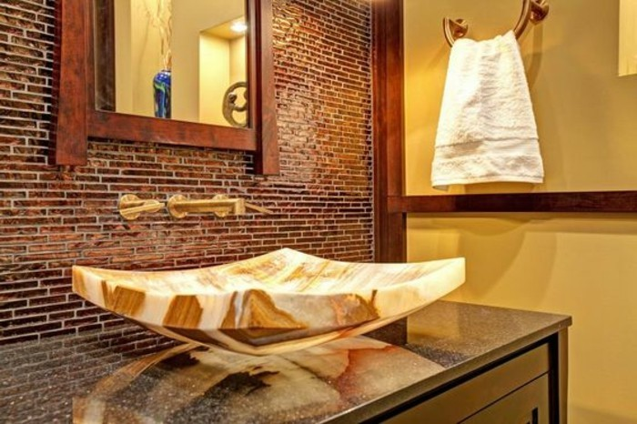 lavabo-en-pierre-forme-interessante
