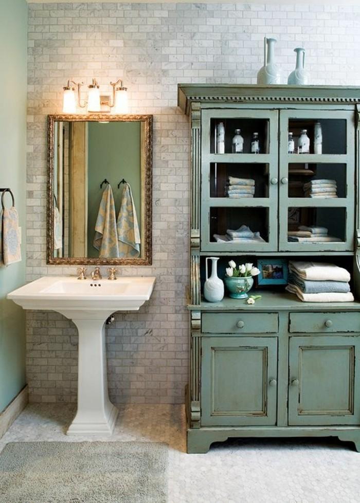 lavabo-retro-buffet-vert-appliques-de-salle-de-bain