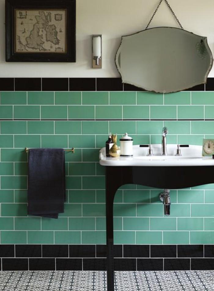 lavabo-retro-vasque-sur-pieds-carrelage-vert-porte-serviette