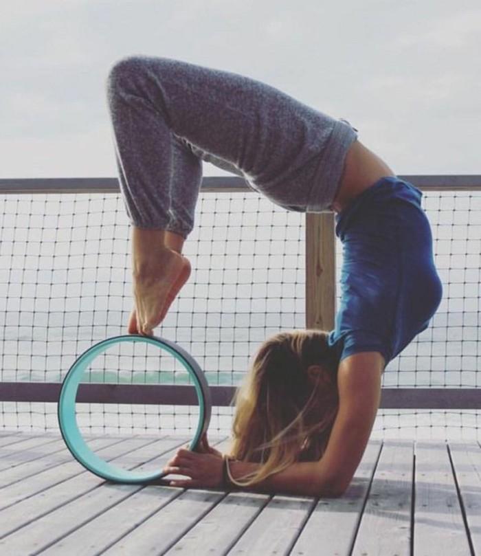 les-bienfaits-du-yoga-inclinaison-du-corps-et-respiration