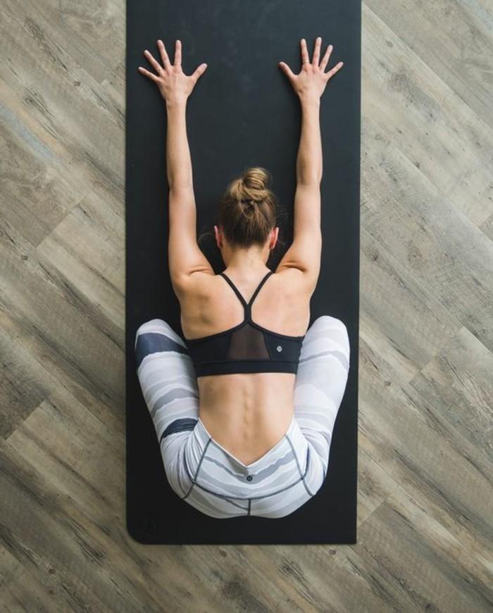 les-bienfaits-du-yoga-postures-qui-calment-lesprit