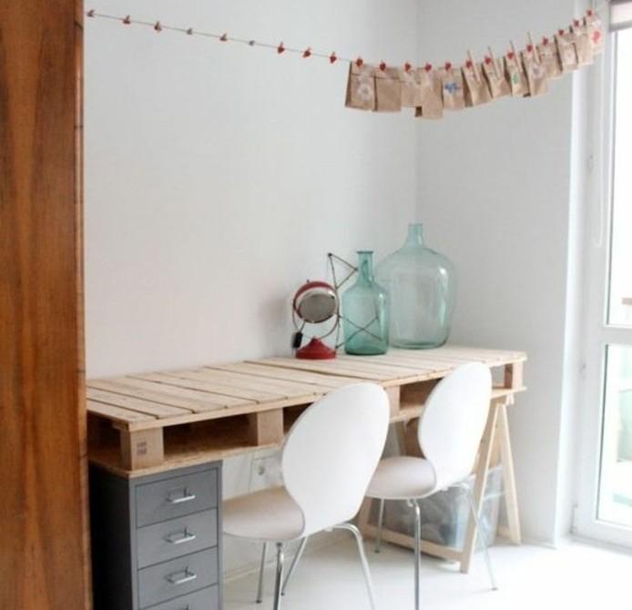 magnifique-bureau-en-palette-design-epure-modele-de-bureau-scandinave