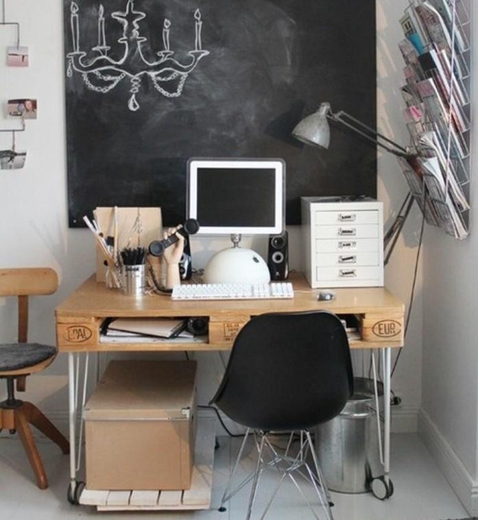 magnifique-bureau-en-palette-pour-votre-coin-travail-une-idee-esthetique-pour-votre-interieur